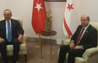 Tatar, TC Dışişleri Bakanı Mevlüt Çavuşoğlu...