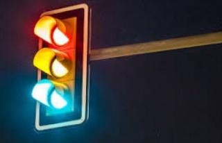 Trafik ışıkları devre dışı, anayol üzerinden...