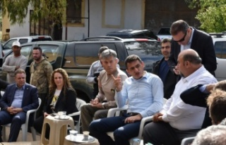 Bakan Oğuz, Karpaz'da afet bölgesinde incelemede...