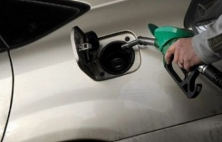 İngiltere'de 2030'dan itibaren benzinli ve dizel...