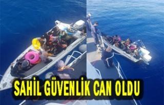 Sahil Güvenlik 13 Göçmeni Türkiye'ye teslim...