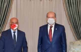 Tatar, Gönyeli Belediye Başkanı Benli'yi kabul...