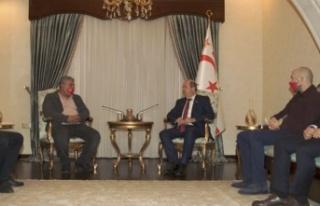 Cumhurbaşkanı Tatar, Girne Halk Evi heyetini kabul...