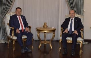 Cumhurbaşkanı Tatar siyasi parti başkanlarıyla...