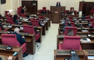 Genel Kurul'da Özgürgün'ün istifa oylaması...