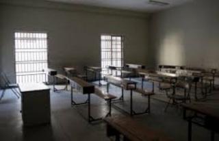 Okullar Kapatıldı