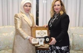 Sibel Tatar'dan Emine Erdoğan'a teşekkür...