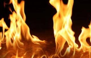 şömineyle Bidonu Karıştırdı... Yangın Çıktı!
