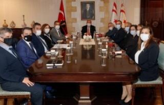 Cumhurbaşkanı Ersin tatar, teknik komite eş başkanlarıyla...