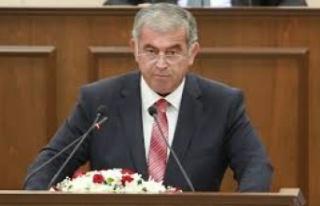 Önder Sennaroğlu meclis başkanlığına resmen...