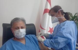 Sağlık Bakanı Dr. Ali Pilli, 2 doz aşısını...