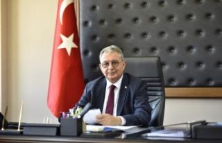 """Kutlu Evren, """"Kıbrıs Türk Hekimlerinin Beceri,..."""