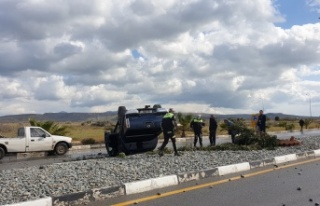 Mevlevi Kavşağı'nda Araç Takla Attı