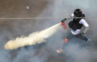 Myanmar'daki darbe protestolarında kan aktı:...