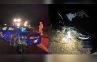 Otomatik pilottaki Tesla, polis otomobiline çarptı