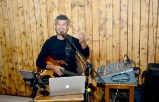 Kıbrıslı Usta sanatçı Ayhan Başkal, Facebook...