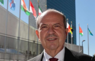 Cumhurbaşkanı Ersin Tatar BM Merkezi önünde açıklama...