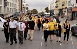 Görme engellilere farkındalık ve empati için yürüyüş...