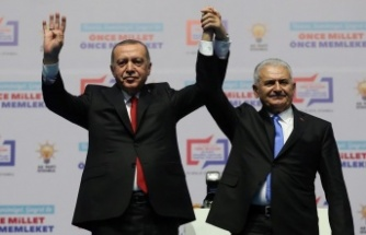 Binali Yıldırım resmen AK Parti İstanbul adayı