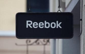 'Erkeklerin suratına oturun' kampanyalı reklam yapan Reebok'a dava: Sırada BDSM'li kampanya mı var?