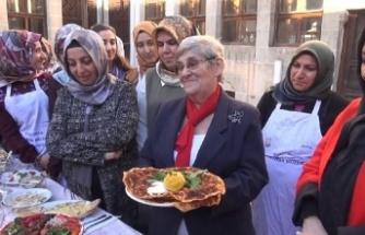 Canan Karatay: En sağlıklı fast food lahmacun