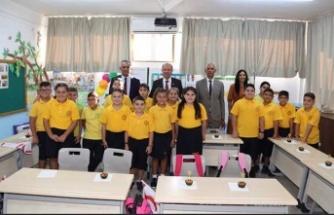 Başbakan Tatar ve Eğitim Bakanı Çavuşoğlu, Akdoğan İlkokulu'nu ziyaret etti