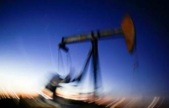 Petrol, Fed toplantısı öncesi 4 ayın zirvesi civarında tutundu