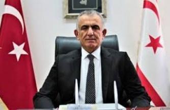 Milli Eğitim ve Kültür Bakanı Nazım Çavuşoğlu yayımladığı mesajda Cumhurbaşkanlığına seçilen Başbakan Ersin Tatar'ı kutlayarak, yeni görevinde başarılar diledi.