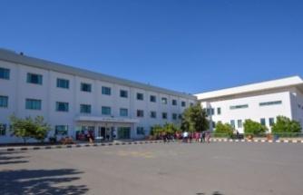 Yakın Doğu İlkokulu'nun yasağa rağmen Girne'deki öğrencilerini okula çağırdığı iddia edildi