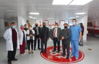 """Bakan Üstel Dr. Burhan Nalbantoğlu Hastanesi'ni ziyaret etti"""""""