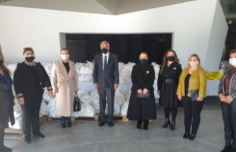 Bellapais  Inner Wheel Kulübü, Girne Belediyesi'ne 250 Adet Gıda Yardım Paketi