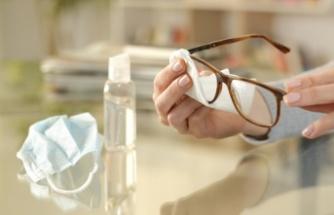Gözlük kullananların Covid-19'a yakalanma olasılığı üç kat daha az