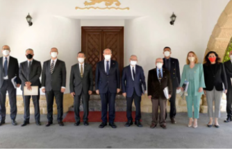 Cenevre öncesi hazırlıklar sürüyor... Ersin Tatar, müzakere heyetiyle görüştü