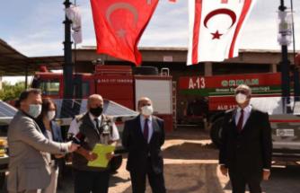 Yangın gözetleme kameraları ile mobil güneş panelleri KKTC'ye teslim edildi