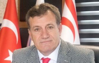 """Erhan Arıklı'dan Bertan Zaroğlu'na: """"Kalırsa seviniriz, giderse de kimsenin arkasından yas tutmayız"""""""