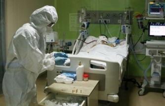 Durumu ağır olan 71 hastadan 32'sinin entübe durumda