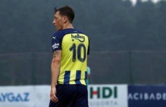Mesut Özil'in sırtına 'büyük yük'
