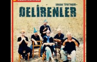 """""""Delirenler"""" Sokak Tiyatrosu Girneliler ile buluştu, 29 Eylül'de de Lefkoşa'da sahnelenecek"""