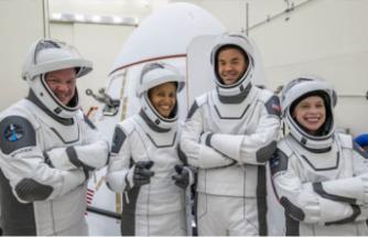 Uzay turistlerinin yolculuğu başladı