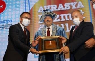 Cumhurbaşkanı Tatar, Avrasya Hizmet Ödülleri Törenine Katıldı