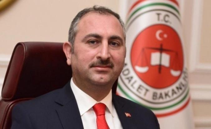 Adalet Bakanı: İnternet kontrolsüz kavşaklarla dolu