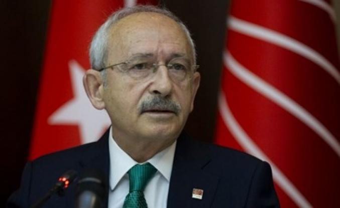 CHP lideri Kılıçdaroğlu'na cenaze töreninde saldırı