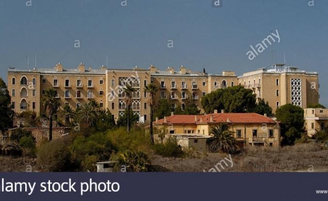 Ledra Palace kapısı bu sabah geçişlere açıldı.