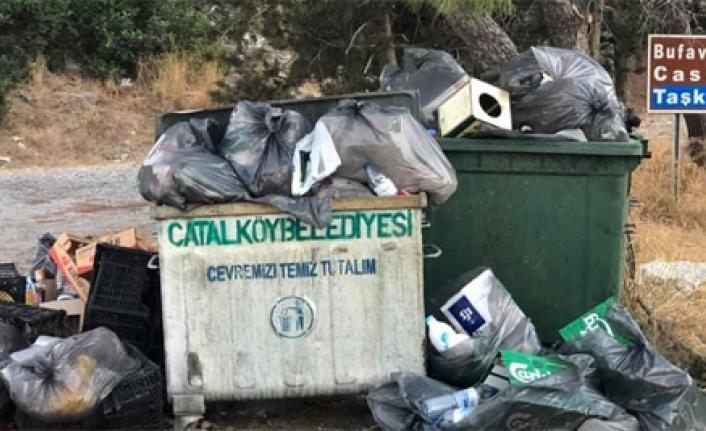 Kıbrıs'ın tarihi yerlerine  çöp bırakana  insan mı denir?