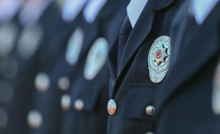 Fetö'den iki polis daha atıldı