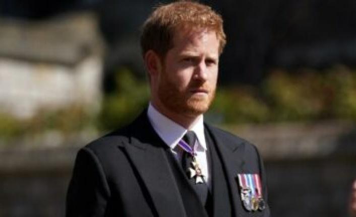 Kraliçe'nin doğum gününü beklemedi: Prens Harry apar topar ABD'ye döndü